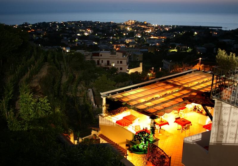 Ischia residence la rosa il ristorantino di sera