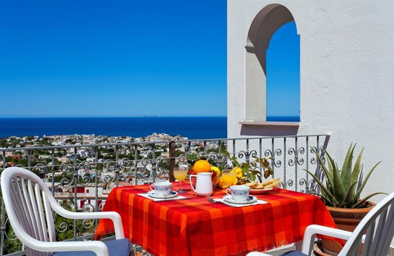 Sala colazione · residence la rosa terrazza · ischia