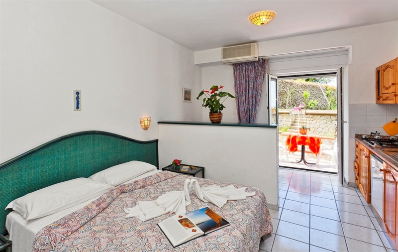 Ischia residence appartamenti ischia residence forio for Appartamenti ischia